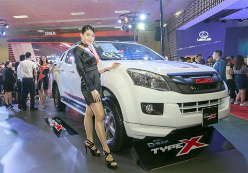 Chiếc Isuzu D-MAX TYPE X mới gây ấn tượng tại Vietnam Motor Show 2016 bởi vẻ ngoài hầm hố hơn hẳn