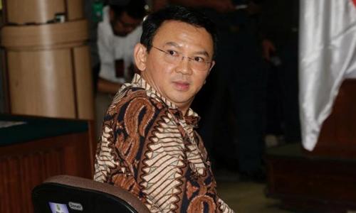 Thị trưởng Jakarta tại phiên tòa diễn ra hôm qua. Ảnh: Reuters.