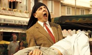 Mr Bean 'phát tài' nhờ hát nhép Opera trên phố
