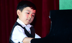 'Thần đồng' Evan Le đàn 'Minute waltz' của Frédéric Chopin