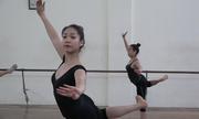 Nữ sinh ép cân, chịu đau đớn để theo nghề múa