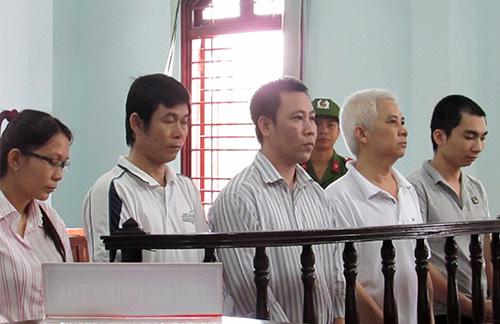 cuu-can-bo-lua-chay-vao-nganh-cong-an-gia-250-trieu-dong
