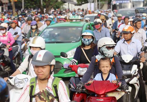 so-gtvt-tp-hcm-noi-ket-duong-vi-khong-du-dat-cho-xe-chay-1