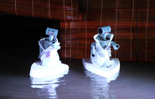 sinh-vien-sai-gon-che-tao-robot-mua-roi-nuoc-1