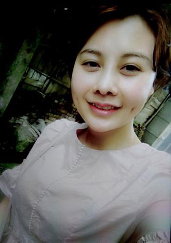 nhung-hot-girl-dieu-hanh-duong-day-ban-dam-gia-nghin-do
