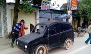 Cha nghèo chế ôtô chở con đi học và nỗi thèm xe hơi của người Việt