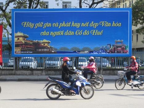 hue-tim-slogan-cho-du-lich
