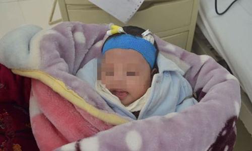 Em bé Trung Quốc mới sinh bị mẹ đem bán lấy 20.000 nhân dân tệ. Ảnh minh họa: Sina