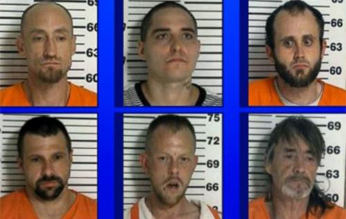 6 tù nhân vượt ngục qua bồn vệ sinh hỏng ởnhà tù hạtCooke, bangTennessee, Mỹ.