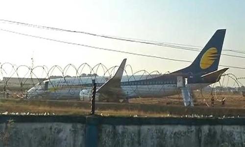 Phi cơ Jet Airways trượt khỏi đường băng. Ảnh: NDTV.