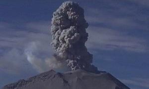 'Lưỡi lửa' Peru thức tỉnh, đe dọa người dân trong vùng