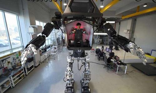 robot-4m-giong-co-may-sat-thu-phim-avatar-chap-chung-tap-di