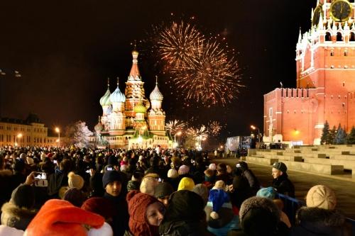 Pháo hoa tại Quảng trường Đỏ, trước Điện Kremlin. Ảnh: