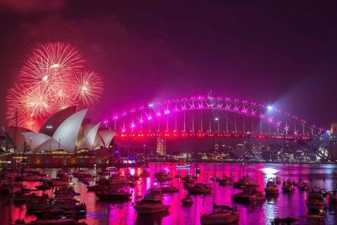 Màn pháo hoa đón giao thừa mãn nhãn ở Cầu cảng Sydney