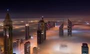 Khung cảnh ngoạn mục trong sương mù dày đặc ở Dubai