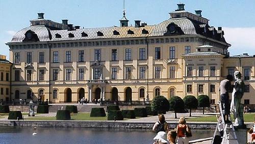 Cung điệnDrottningholm ở Stockholm. Ảnh: Guardian