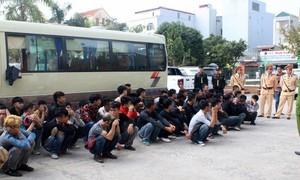 76 thanh niên 'tụ quân' đi trả thù