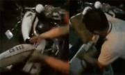 Đám đông đập phá xe cảnh sát ở Đồng Nai