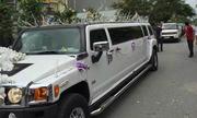 Hummer Limousine dẫn đầu đoàn xe sang đón dâu