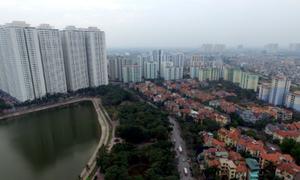 Cao ốc và nhà thấp tầng đua chen ở Hà Nội