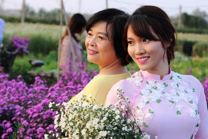 Làng hoa Tết Hải Phòng tấp nập du khách