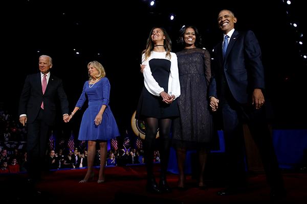 Ông Obama cùng vợ chồngphó tổng thống Biden và vợ con