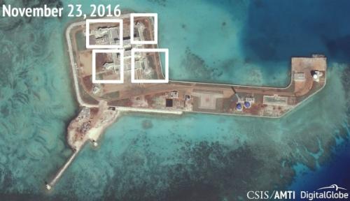 Ảnh vệ tinh đá Tư Nghĩa ngày 23/11, những điểm được đánh dấu là nơi Trung Quốc có thể đặt hệ thống vũ khí. Ảnh: AMTI.