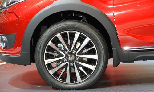 Honda-BR-V-wheel-at-Gaikindo-Indonesia-I