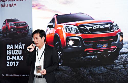 Ông Daisuke Yamada - Giám đốc Cao cấp Phụ trách Kinh doanh LCV ISUZU Việt Nam thông báo chính sách bảo hành 5 năm dành cho xe bán tải D-MAX