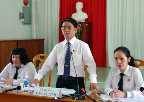 Lãnh đạo tòa Bình Thuận tại buổi họp báo. Ảnh: Tư Huynh