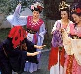 nhung-tinh-huong-kho-do-trong-phim-tay-du-ky-1986-3