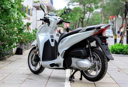 honda-sh300i-co-gi-sau-muc-gia-250-trieu-tai-viet-nam-1