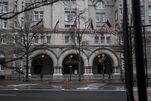 Khách sạn Trump International Hotel ởWashington. Ảnh: Bloomberg