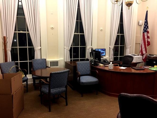 Nhà Trắng vắng lặng trong đêm cuối của Tổng thống Obama