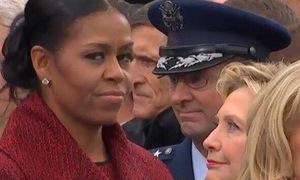 Biểu cảm gây sốt mạng xã hội của cựu đệ nhất phu nhân Obama