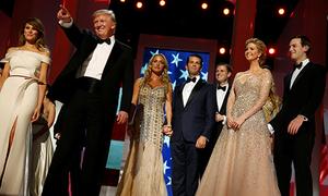 Bộ sưu tập váy áo hàng hiệu của các kiều nữ nhà Trump trong lễ nhậm chức