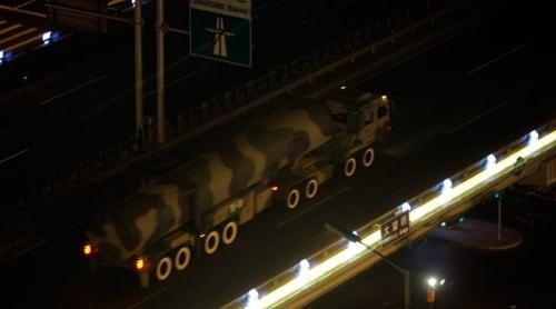 Tên lửa đạn đạo xuyên lục địa Đông Phong của Trung Quốc. Ảnh: Reuters