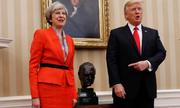Trump khoe với Theresa May tượng cựu thủ tướng Anh ở Phòng Bầu dục