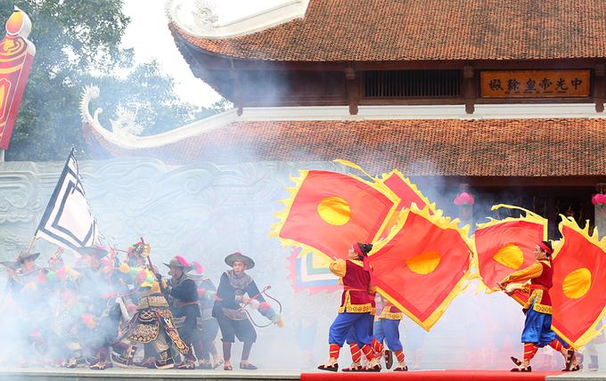 Tái hiện hình ảnh vua Quang Trung cầm quân đánh giặc Thanh
