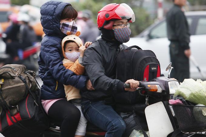 Người dân đổ về thủ đô sau Tết Nguyên đán