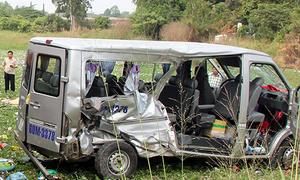 Nhân chứng vụ ôtô bị tàu hỏa tông: 'Nhiều người văng xuống ruộng'
