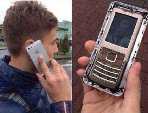 Ốp lưng điện thoại hiện đại.