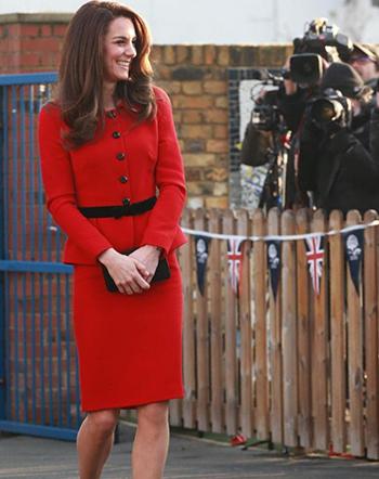Công nương Anh mặc bộ váy đỏkhai mạc Tuần Sức khỏe Tâm thần Trẻ em tại London sáng qua.