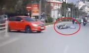 Ngã xe máy nằm bất tỉnh vì không đội mũ bảo hiểm