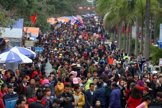 Biển người về Bắc Ninh trẩy hội Lim