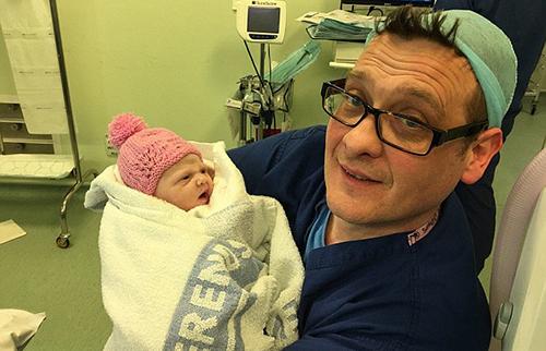 ÔngTurner khoecon gáimới sinh vào ngày 9/4 năm ngoái