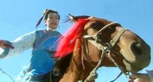 nhung-loi-hai-huoc-trong-phim-hoan-chau-cach-cach-1997-6