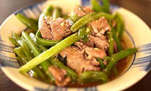 Bữa tối ngon miệng với ngọn bí xào thịt bò