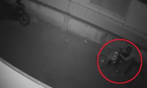 Trộm bẻ khóa xe máy nhanh như chớp ở Tiền Giang
