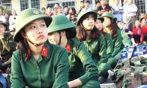 5 thiếu nữ ở Sài Gòn lên đường nhập ngũ